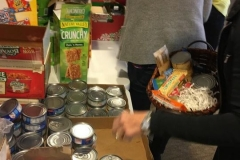 2016-Food-Basket -Drive (4)
